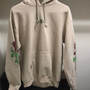 Hoodie with rose decal and Japanese writing
